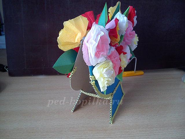 Как сделать вазу из открыток своими руками для цветов