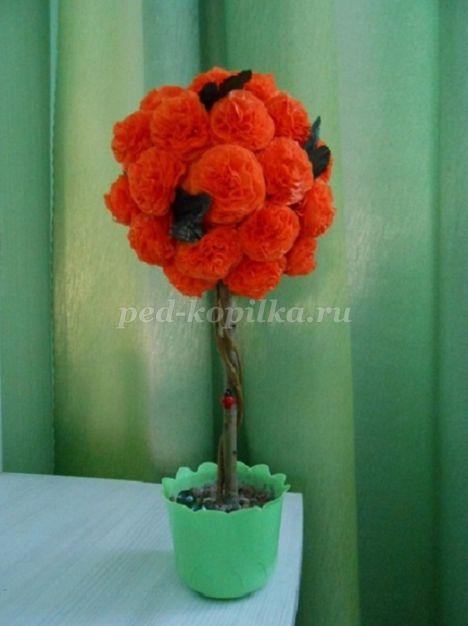 10031_6f566b822f4236ea53c14c950bfbd822.jpg Топиарий из бумажных цветов, салфеток и роз