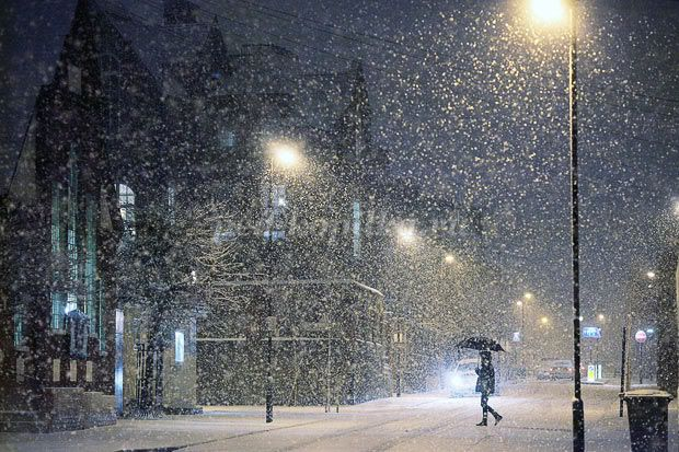"""Картинки по запросу """"запорошенные снегом города фото"""""""""""