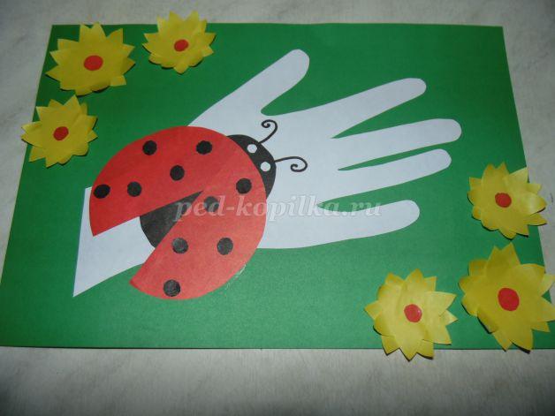 ef8f90265510 Аппликация из цветной бумаги своими руками для детей 5-6 лет. Божья коровка